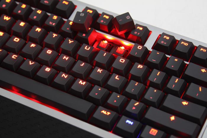 Herní klávesnice: Mechanické spínače aneb tajemství pod krytem