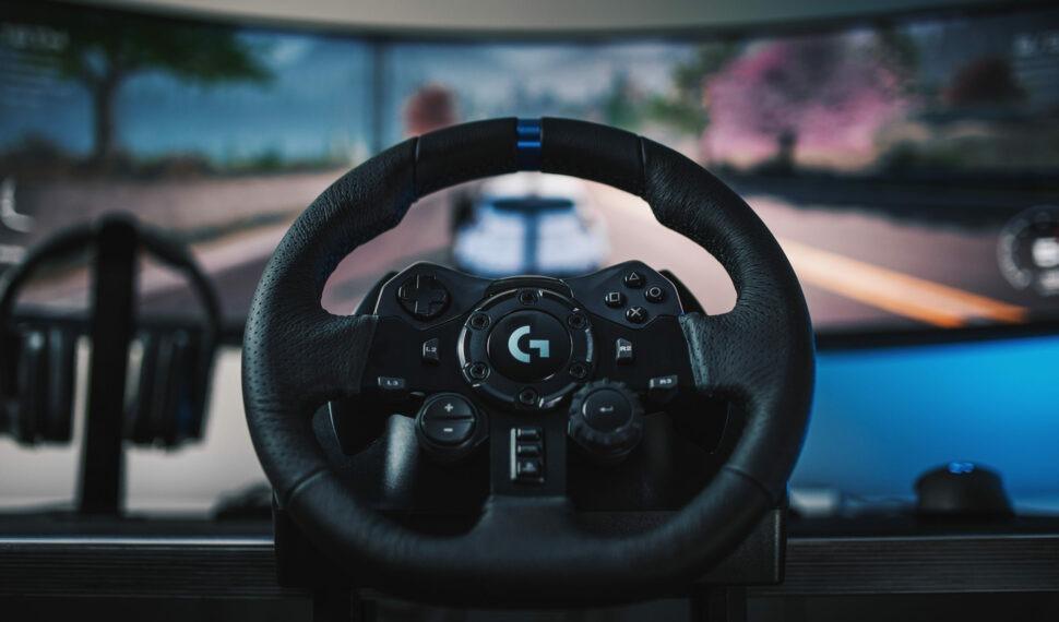 Logitech G: Závodní volant G923 stechnologií TRUEFORCE pro PC, PlayStation4 aXbox One